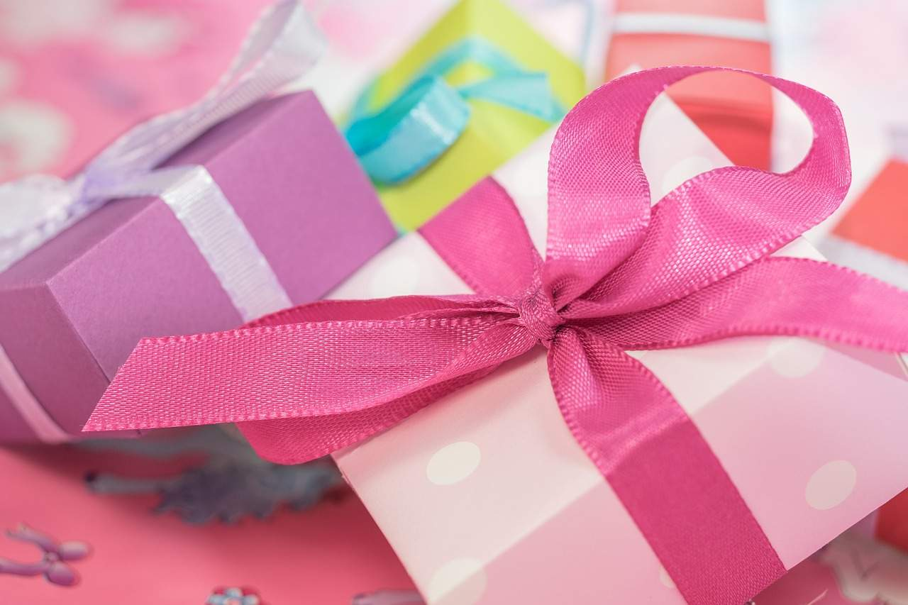 5 inexpensive birthday gifts for a low price when your brother to not go out of budget Image